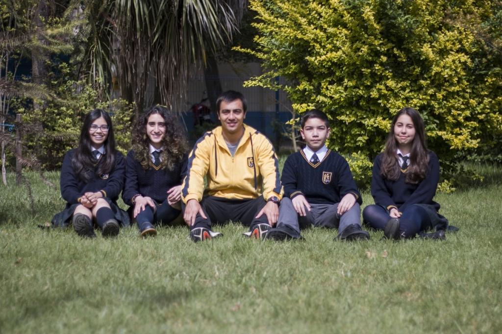 Centro de Alumnos Enseñanza Básica junto a su profesor colaborador