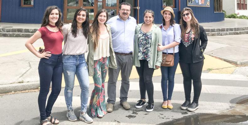 Ex alumnas egresadas en 2007, visitan nuestro colegio
